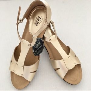 Bass (Kayla) Champagne Leather T-Strap Sandals